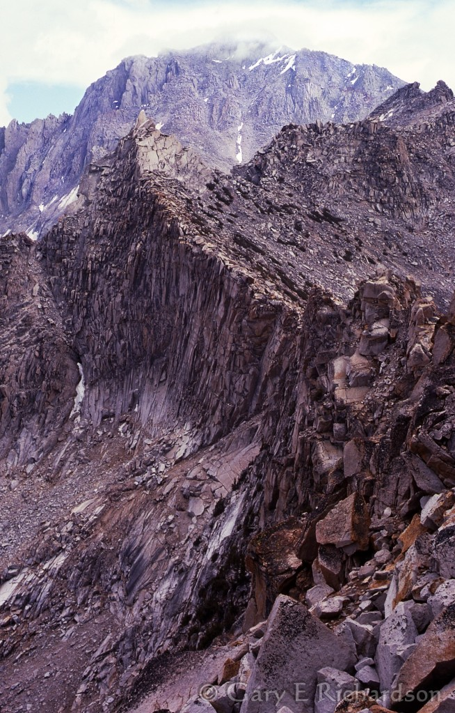 Looking along the Sierra crest from Kearsarge Pass to University Peak, 1976